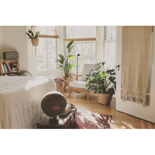 Five simple tips for decorating small bedrooms