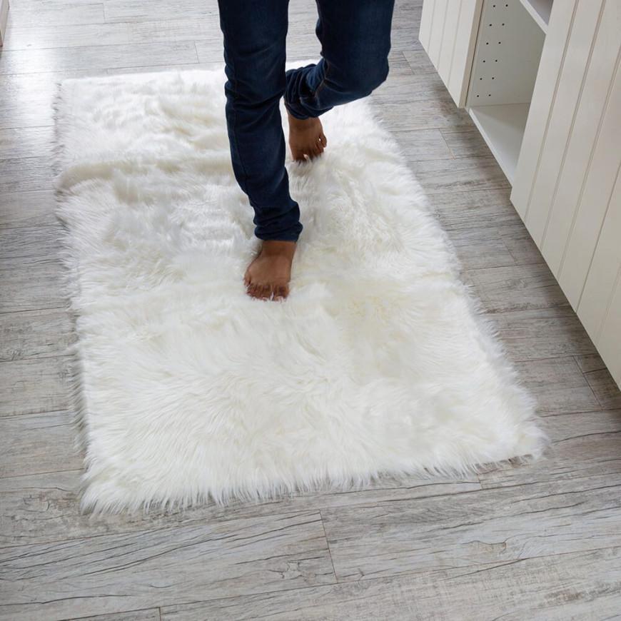 دعاسة أرضية 150×80سم  فرو سادة أبيض