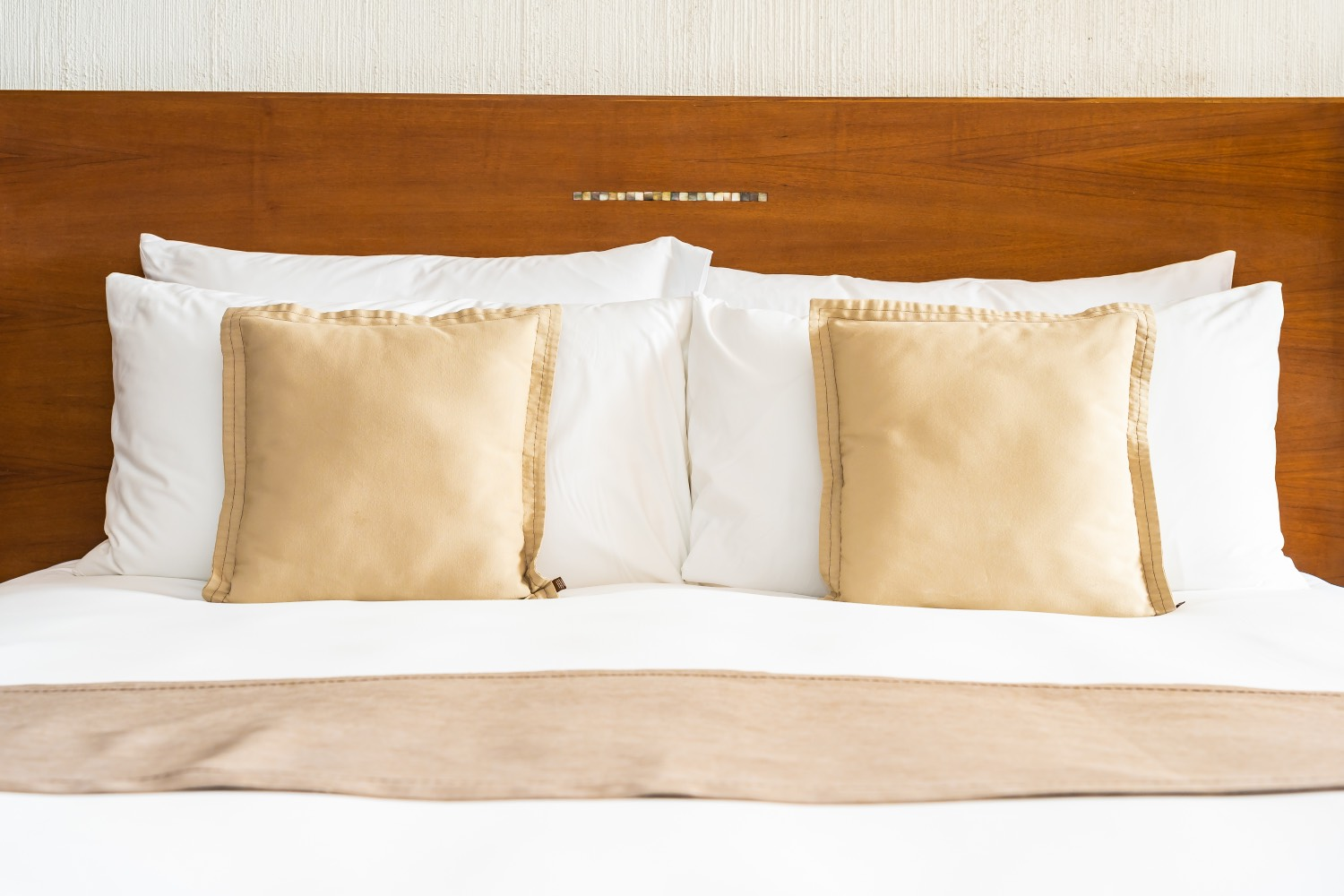 How to get a bed that rivals hotel beds in 6 simple ways!